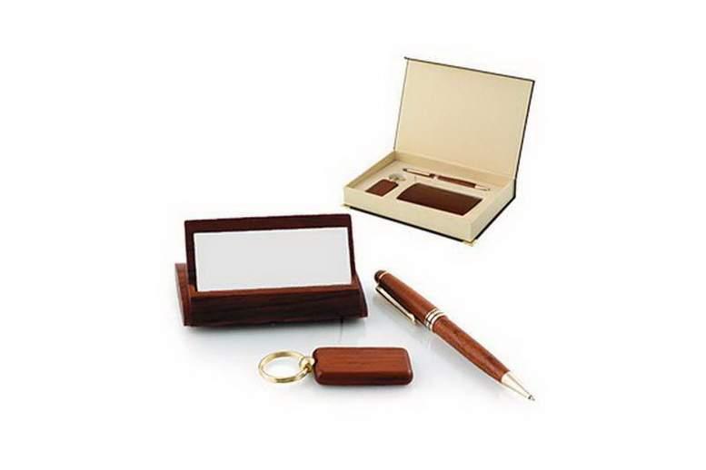 деревянные ручки – эксклюзивный подарок